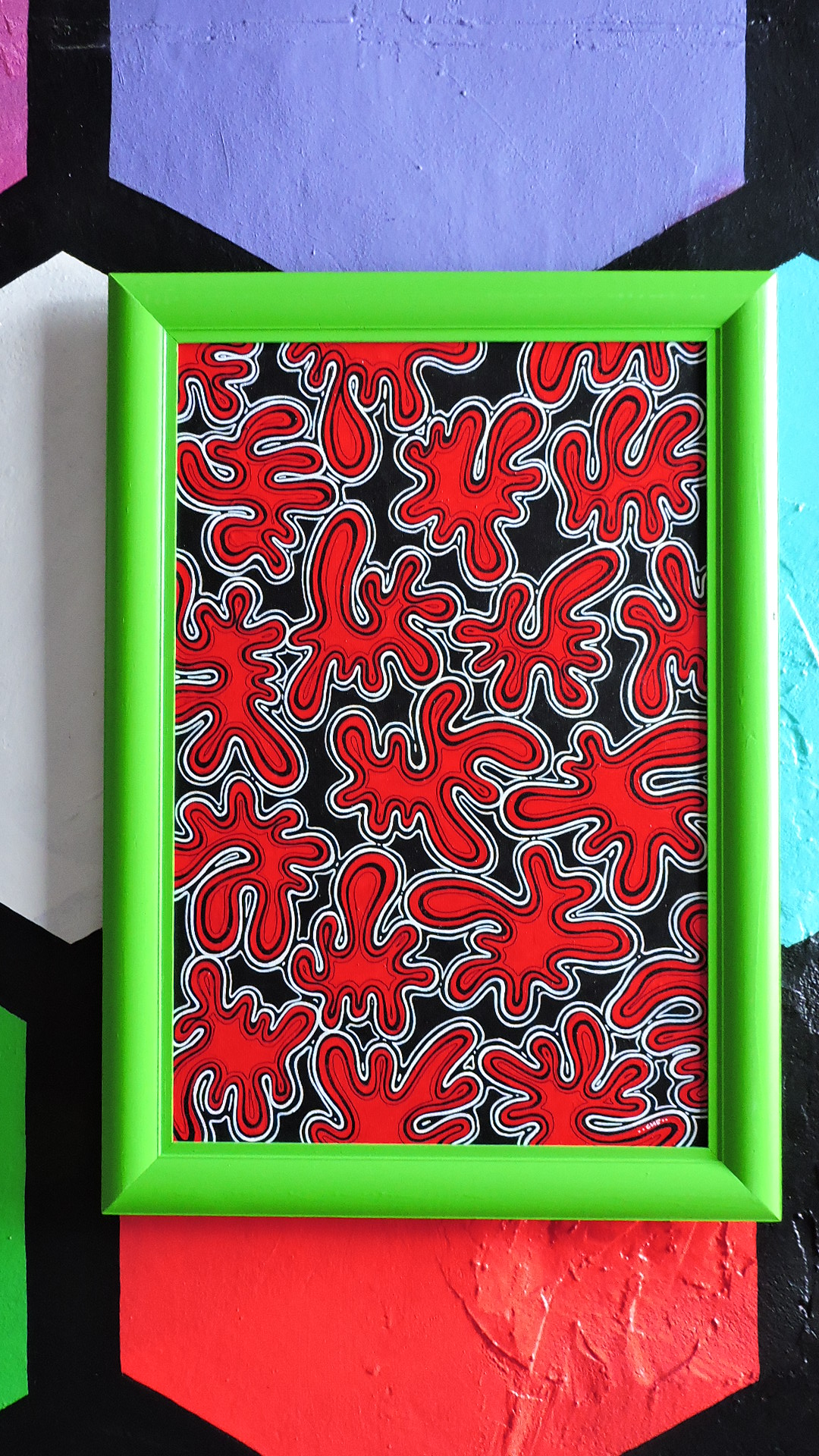 Bright painting in the green frame, the artist has depicted about how does poison the newcomer